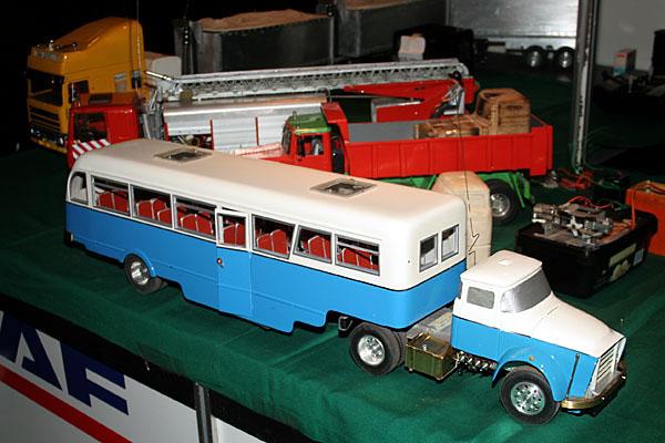 schaal model feyenoord bus