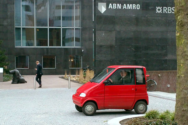 klein rood autootje